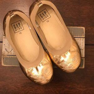 Gap Cat sandals